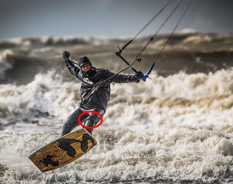 Tabe in actie met zijn kniebrace, Professioneel Kitesurfer